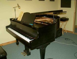 401_piano_equip_3r_comp.jpg