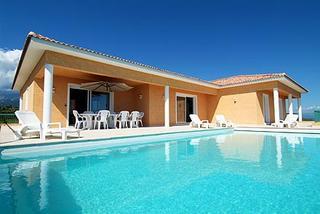 Villa_piscine.jpg