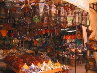 magasin-villes-est-souks-marrakech-.jpg
