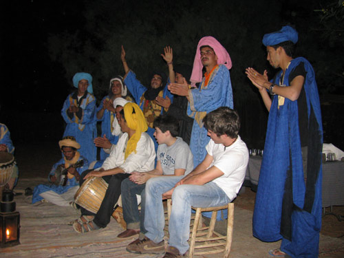 Berbermusic_in_the_camps.jpg